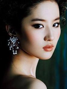 刘亦菲高贵优雅写真