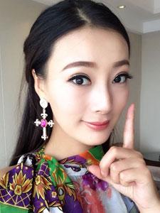 艳星王李丹妮粉嫩自拍