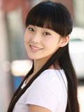演员张佳宁清纯图片 宛如邻居女孩可爱俏皮
