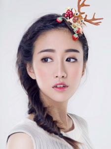 90后女星刘美含清新纯美娇俏可人