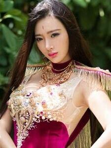 王李丹妮完美身材大秀性感