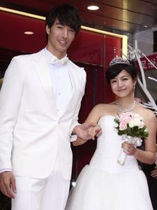 锦荣自曝想三十岁结婚 与陈妍希上演求婚戏码