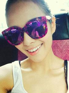 香港小姐许亦妮自拍照