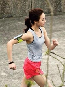 生活中的张钧甯超爱健身运动