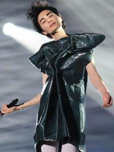 舞台上的女王王菲靓照