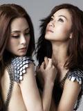 twins新专辑《2 be free》诱惑写真 钟欣桐蔡卓妍半裸诱人出镜