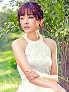 郑罗茜最新写真大片 曼妙身材惹人爱