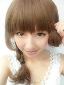 网络女歌手何艺纱美美自拍照