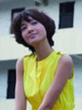朱丹黄色连衣裙变身学生妹重走青春