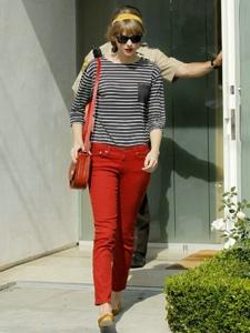 美国女歌手泰勒·斯威夫特时尚街拍