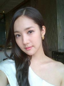 韩国美女朴敏英自拍照