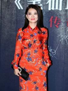 《笔仙2》首映礼 李湘身穿红色连衣裙出席