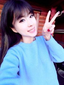 刘雪妮verna甜美可人生活照