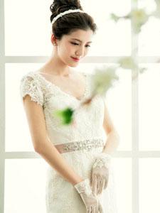 吴千语性感迷人婚纱照