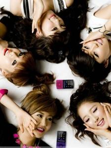 韩国人气女团4minute性感卖萌图片