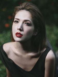 演员许玮甯时尚写真大片 姣好身材性感诱人