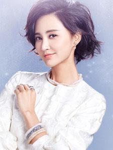 张歆艺新年写真大片 化身冰雪精灵美极了