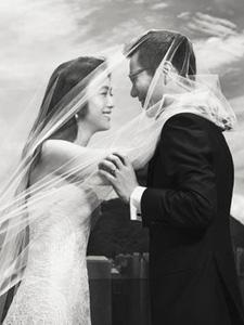 汤唯与金泰勇结婚照曝光 已正式结为夫妻