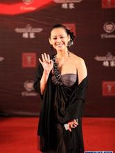 宁静上海国际电影节闭幕式红毯靓丽身影