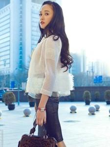 台湾女星陈乔恩时尚街拍
