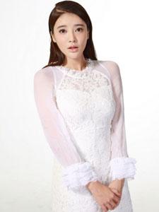 张璇白色蕾丝裙唯美动人