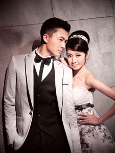 陈自瑶与王浩信结婚幸福甜蜜婚纱照