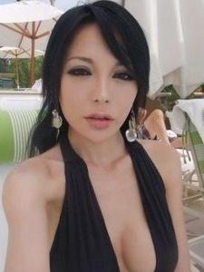 台湾乳神徐至琦生活素颜照