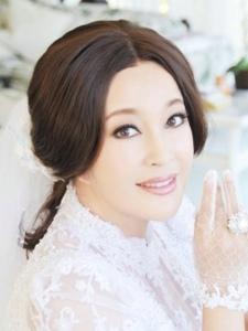 刘晓庆度假微博晒青春美照 容颜不老让人感叹