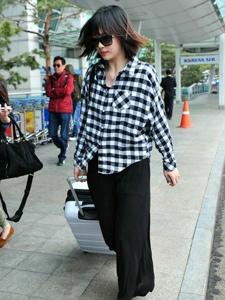 韩国女星崔雪莉时尚街拍 气场十足