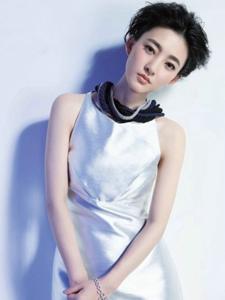 女神王丽坤杂志写真图片
