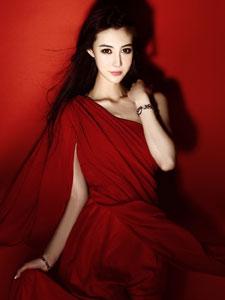尚淳汐红色长裙性感妖娆