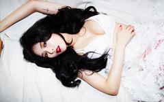 韩国美女金泫雅性感桌面壁纸