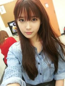 韩国美女李智恩生活中如此美丽