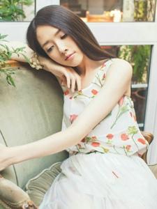 台湾气质女神郭碧婷唯美写真照