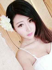 最美女硕士夏小薇甜美生活照