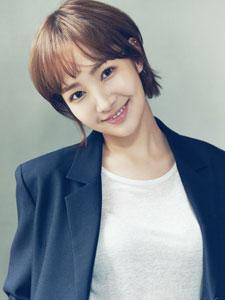 韩国演员朴敏英短发美美哒