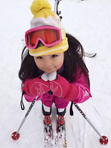 李湘微博晒王诗龄滑雪照 被赞变瘦美女啦
