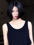 尚雯婕2012巴黎时装周红唇朋克照型