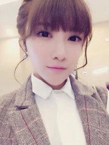韩系女神戴燕妮甜美可人自拍