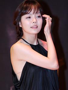 《强敌们》蔡琳清纯宣传照