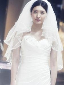《致青春》江疏影婚纱照 超女神