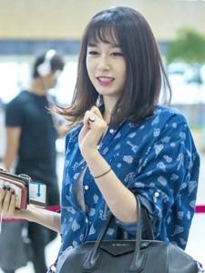T-ara成员朴智妍时尚机场街拍