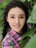 90后美女刘筱筱温婉气质清新舒畅