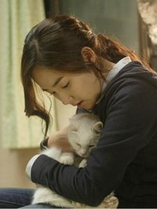 韩国恐怖片《猫》朴敏英剧照