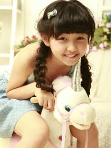 清纯可爱小萝莉张子枫写真照