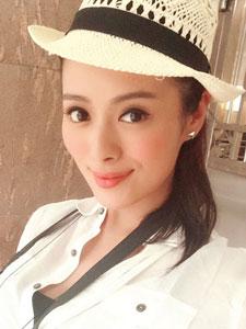 香港美女许亦妮气质美艳照