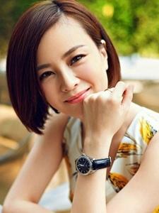 刘孜时尚优雅写真照