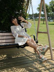 蔡妍清新可爱户外写真
